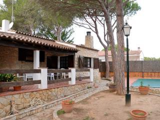 LA GAVARRERA - 9 PAX - Mas Pinell vacation rentals