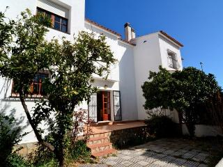 Bright L'Escala House rental with Washing Machine - L'Escala vacation rentals