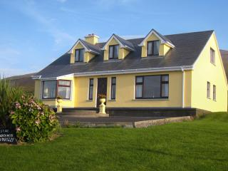 Spacious Cottage with Internet Access and Satellite Or Cable TV - Castlegregory vacation rentals