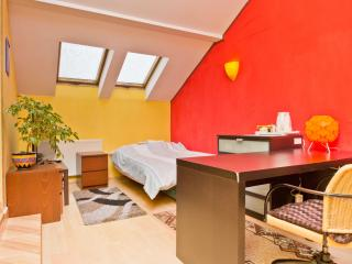 Cozy 1 bedroom Bed and Breakfast in Warsaw - Warsaw vacation rentals