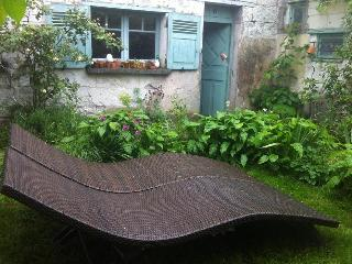 Loire Valley Riverside Cottage near Saumur - Western Loire vacation rentals