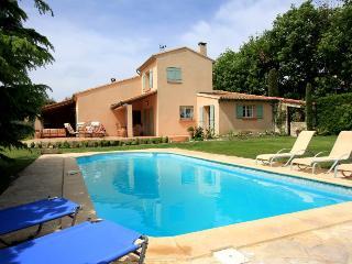 5 bedroom Villa in Caumont Sur Durance, Provence, France : ref 2254388 - Caumont-sur-Durance vacation rentals