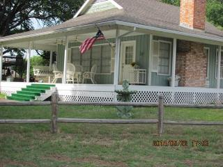 The Cottage at Lake LBJ, Kingsland, TX - Kingsland vacation rentals