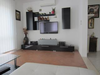 Comfortable 2 bedroom Apartment in Trogir - Trogir vacation rentals