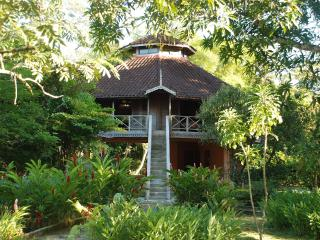 Immortelle - Tree House - Matura vacation rentals