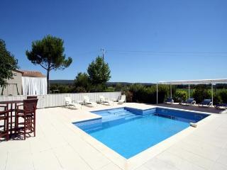 4 bedroom Villa in Aix-En-Provence, Provence, France : ref 1718357 - Aix-en-Provence vacation rentals