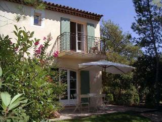 2 bedroom Villa in La Motte, Provence, France : ref 1718410 - La Motte vacation rentals