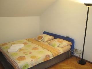 DM09 Lovely 2 floor apartment - Split vacation rentals