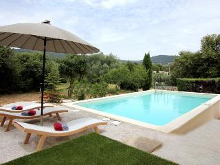 4 bedroom Villa in La Ciotat, Provence, France : ref 1718527 - La Ciotat vacation rentals