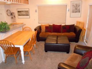 #64 Premier 3BR Townhouse w/ spa. By Snow Summit! - Big Bear Lake vacation rentals
