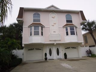 Spacious Luxury Townhouse on the Beach! Sleeps 6-8 - Treasure Island vacation rentals