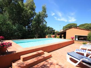 3 bedroom Villa in FréJus, Cote d'Azur, France : ref 1718567 - Roquefort les Pins vacation rentals