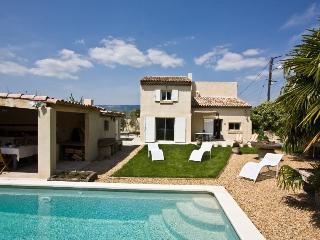 4 bedroom Villa in Charleval, Provence, France : ref 1718581 - Charleval vacation rentals
