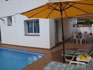 Nice House with Washing Machine and Television - L'Escala vacation rentals