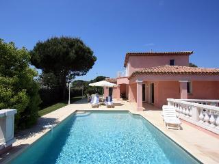 4 bedroom Villa in FréJus, Cote D Azur, France : ref 1718631 - Roquefort les Pins vacation rentals