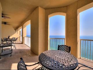 PENTHOUSE Luxury Condo w/ Balcony~~Rooftop Pool&Hot Tub-BBQ-Gym+MORE - Panama City Beach vacation rentals