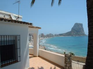Comfortable Villa with Washing Machine and Television - Calpe vacation rentals