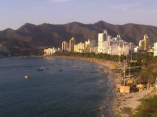 OCEANFRONT Apartment For Rent in EL RODADERO, Santa Marta, COLOMBIA - Santa Marta vacation rentals
