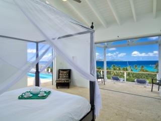 Villa Maya, Walk to Smugglers (Owner Rep) - Belmont vacation rentals