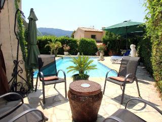 2 bedroom Villa in La Roquette Sur Siagne, Cote d'Azur, France : ref 2255472 - La Roquette-sur-Siagne vacation rentals