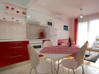 Apartment in Podstrana - Split - Podstrana vacation rentals