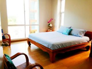 Condos for rent in Khao Takiab: C6039 - Bueng Sam Phan vacation rentals
