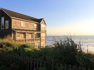 Looking Glass Inn - Depoe Bay vacation rentals
