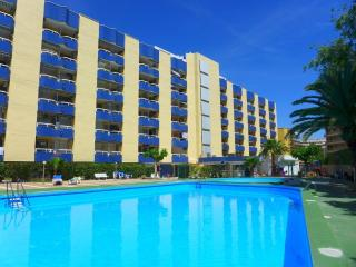 Nice Studio with Shared Outdoor Pool and Television - Salou vacation rentals