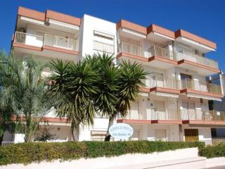 Els Pins II - Apartment 2/4 - Cambrils vacation rentals