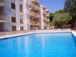 Nice Condo with A/C and Shared Outdoor Pool - Cambrils vacation rentals