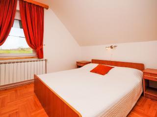 Apartment and Rooms Ankica - 80321-S1 - Smoljanac vacation rentals