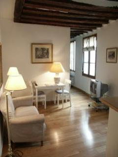Marais 1 bedroom (2264) - Image 1 - Paris - rentals