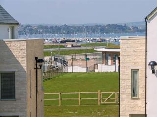 BEACH CORNER, WiFi, en-suites, sea views, superb cottage near Fortuneswell, Ref. 912203 - Portland vacation rentals