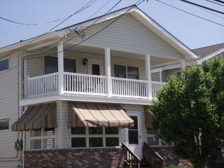 Bright 3 bedroom Ocean City House with Deck - Ocean City vacation rentals