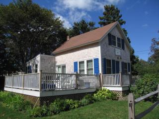 The Blue Canoe Lots of Style & Charm 116503 - Oak Bluffs vacation rentals