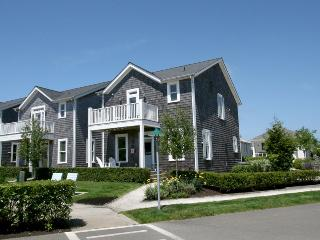 Beautiful House with Internet Access and DVD Player - Pacific Beach vacation rentals