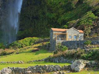Perfect House in Azores with Internet Access, sleeps 7 - Azores vacation rentals