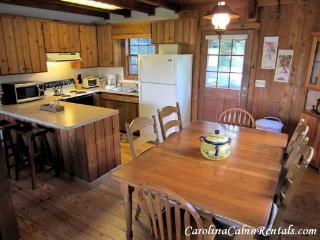 Nice 3 bedroom Blowing Rock House with Dishwasher - Blowing Rock vacation rentals