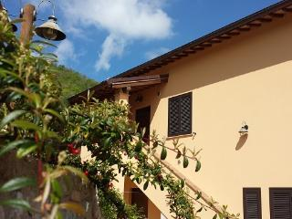 Romantic 1 bedroom Townhouse in Giano dell'Umbria - Giano dell'Umbria vacation rentals
