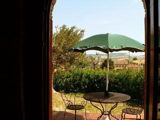 """Agrit. """"Fiore di Campo"""" - app. Glicine - Fermo vacation rentals"""