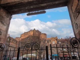 Old Town Grassmarket apartment near the Castle. - Edinburgh vacation rentals