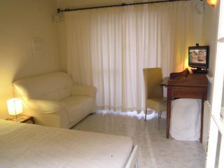 1 bedroom Bed and Breakfast with Internet Access in L'Alfas del Pi - L'Alfas del Pi vacation rentals