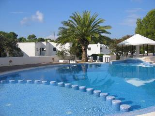 Comfortable 1 bedroom Apartment in Cala Tarida - Cala Tarida vacation rentals
