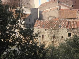 Sunny 2 bedroom Cessenon-sur-Orb House with Tennis Court - Cessenon-sur-Orb vacation rentals