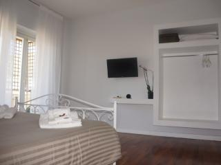 Adorable Crotone vacation Bed and Breakfast with Internet Access - Crotone vacation rentals