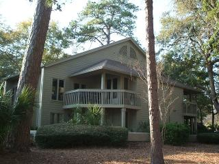 Lovely Villa Golf/Lagoon View! Pool/Beach/Tennis - Hilton Head vacation rentals