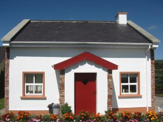Beautiful 3 bedroom Killarney Cottage with Internet Access - Killarney vacation rentals