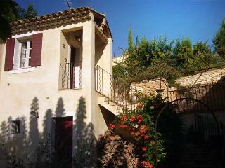 """""""La Tour de la Girouette"""" at Provence Paradise- Great 3 Bedroom Vacation Home - Saint-Remy-de-Provence vacation rentals"""