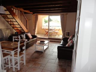 Lovely Condo with Internet Access and Dishwasher - La Redorte vacation rentals