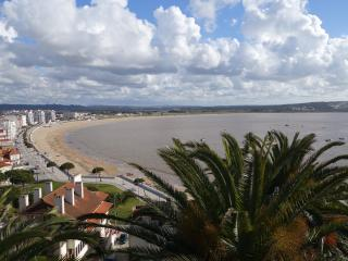 Nice Condo with Internet Access and Satellite Or Cable TV - A Dos Francos vacation rentals
